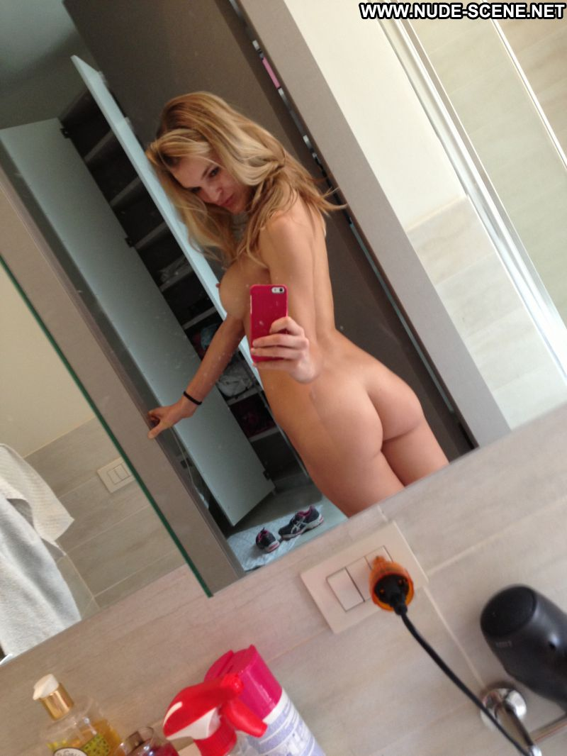 Joy Corrigan Leaked Softcore Celebrity Babe Hacked Pictures Fappening Nude