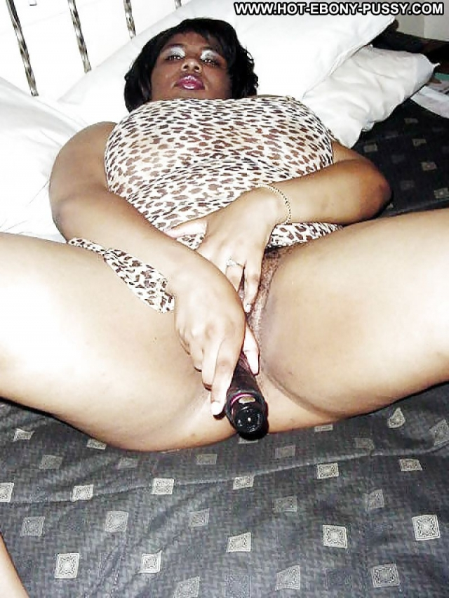 Amateur ebony bbw masturbation