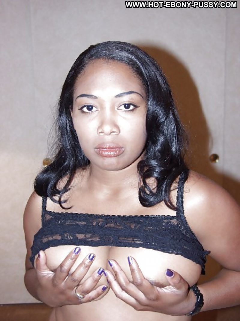 Black milf spreading asscheeks
