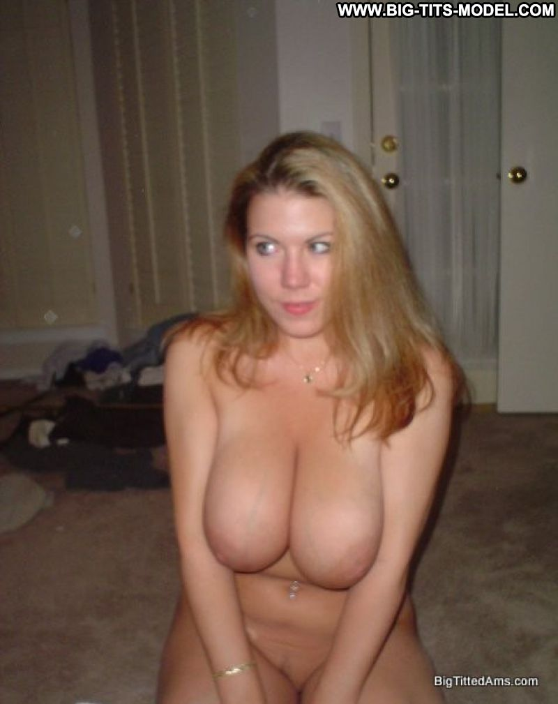 Amateur girl big tits in van 3