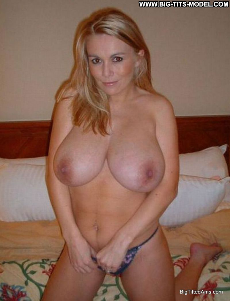 Big tits blonde amateur