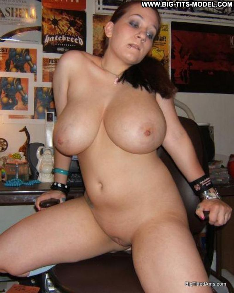 Naked large tits girlfriend foto 364
