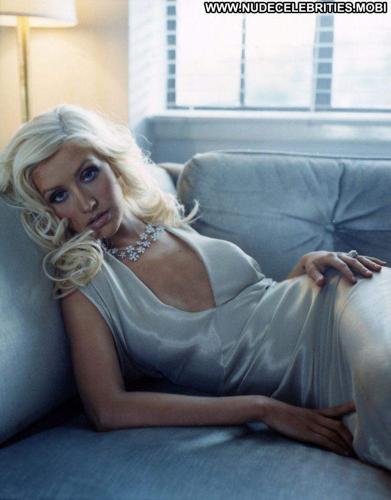 Who is christina aguilera dating right now 2