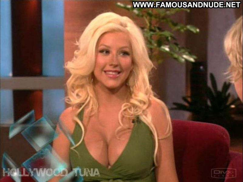 Christina Aguilera Celebrity Sexy Big Tits Showing Cleavage Blonde Babe