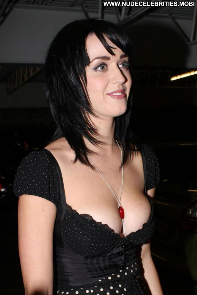 Katy Perry Nude Sexy Scene Singer Showing Cleavage Big Tits