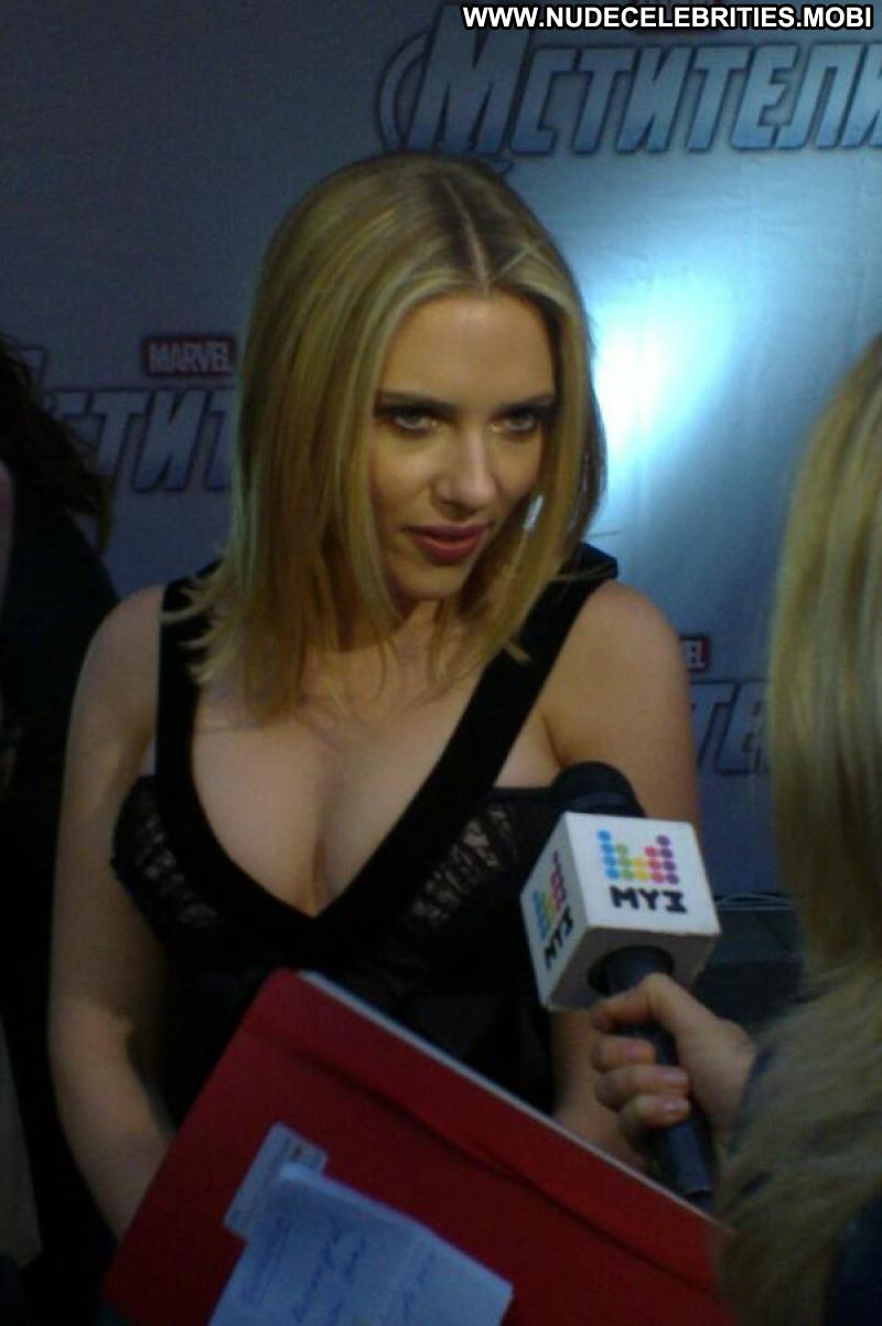 Scarlett Johansson Celebrity Sexy Blonde Big Tits Sexy Dress Posing Hot