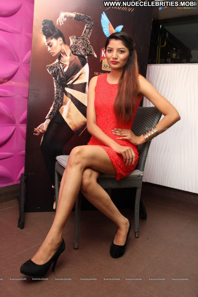 Several Celebrities Showing Legs Sexy Scene Athletic Slender