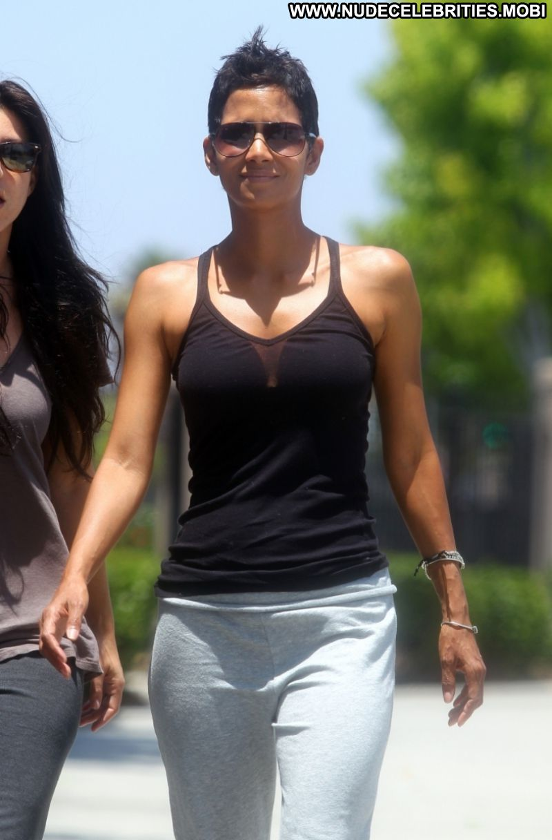 Halle Berry Shares Her Top Fitness Tips | PEOPLE.com