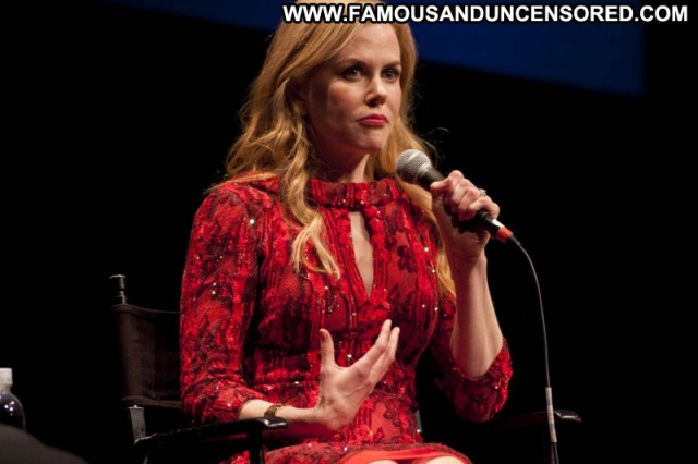 Nicole Kidman Showing Legs Celebrity Sexy