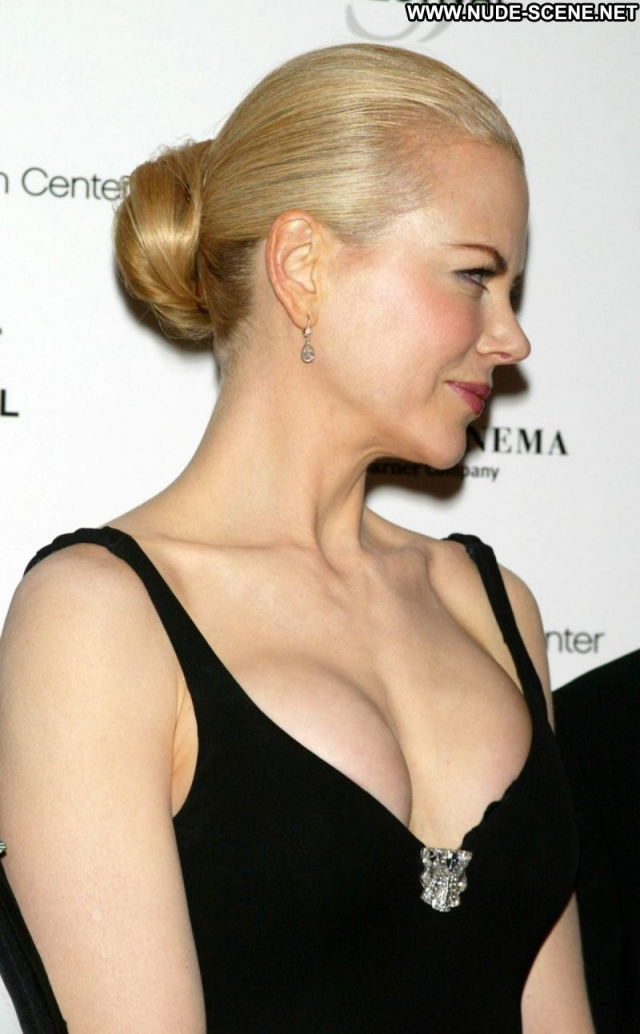 Nicole Kidman Actress Showing Cleavage Blonde Celebrity Sexy Female