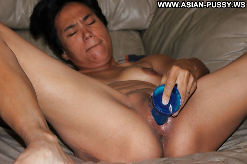 Dildo masturbation with a buttplug 9
