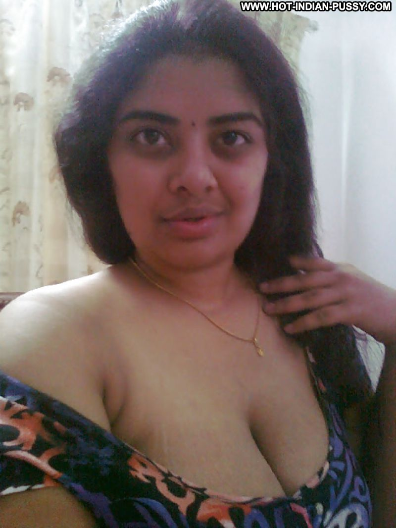 Amateur big indian tits in rubber band groped 9