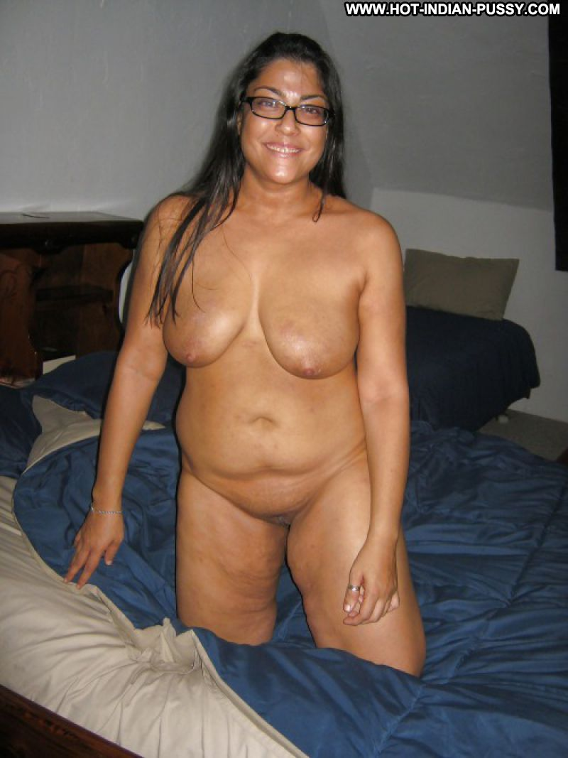 plump indian nude wife