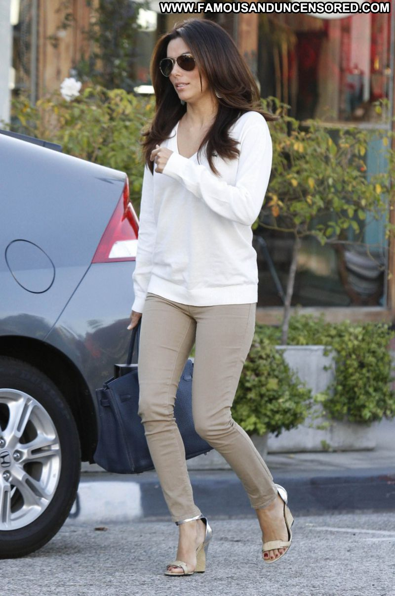 Eva Longoria Celebrity Sexy Actress Latina Cute Babe Jeans Glasses Paparazzi