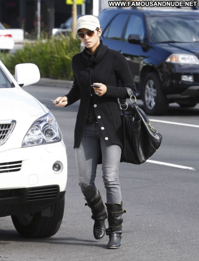 Halle Berry Actress Ebony Sexy Celebrity Boots Paparazzi
