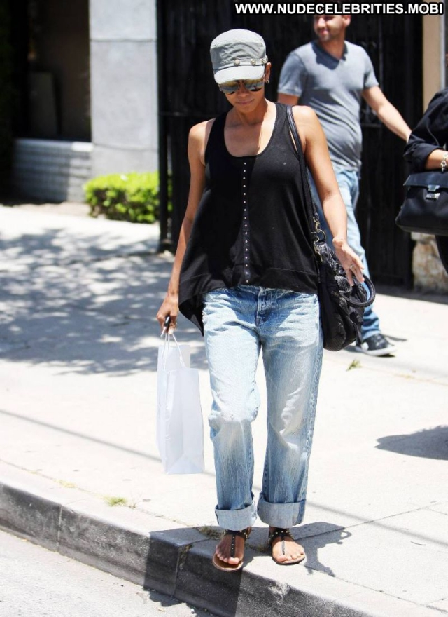 Halle Berry Ebony Cute Celebrity Fetish Jeans Georgeous Actress Sexy