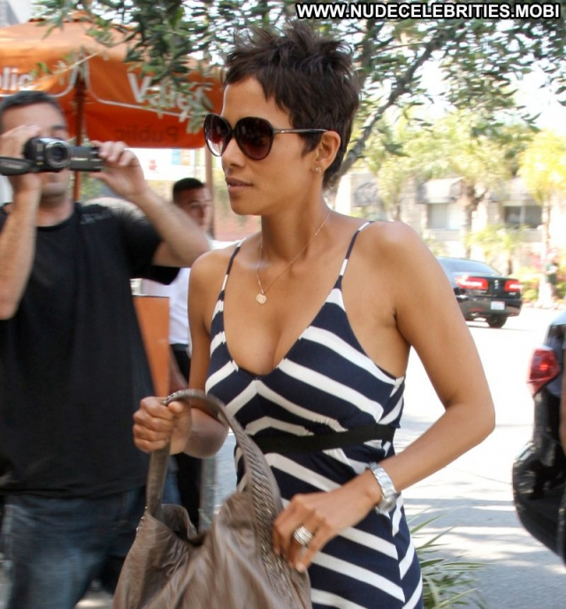 Halle Berry Doll Celebrity Ebony Sexy Georgeous Actress Babe