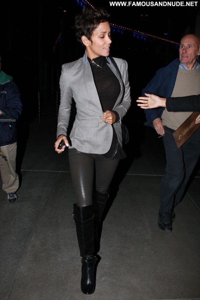 Halle Berry Cute Actress Sexy Ebony Latex Boots Posing Hot Celebrity