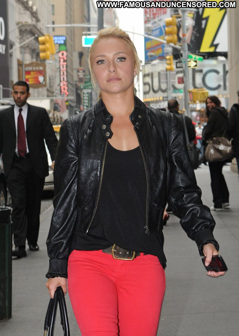 Hayden Panettiere Celebrity Sexy Actress Blonde Doll Nice Boots Paparazzi