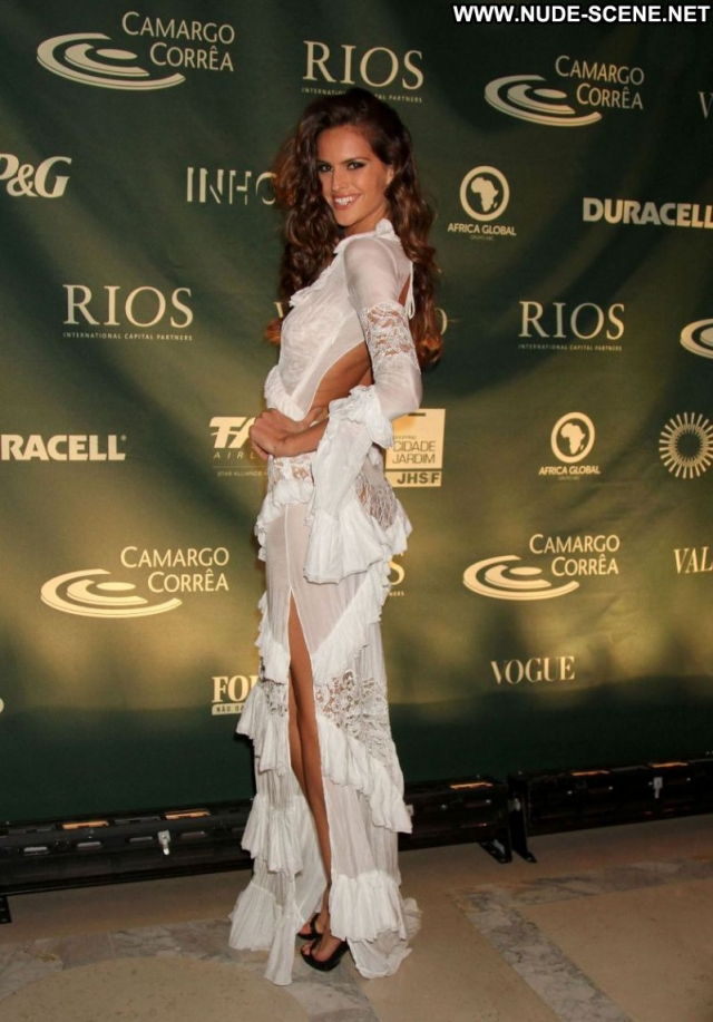 Izabel Goulart Celebrity Brunette Latina Sexy Babe Beautiful Brazil