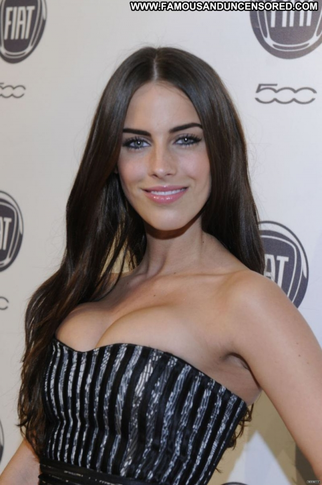 Jessica Lowdnes Georgeous Brunette Nice Celebrity Showing Cleavage