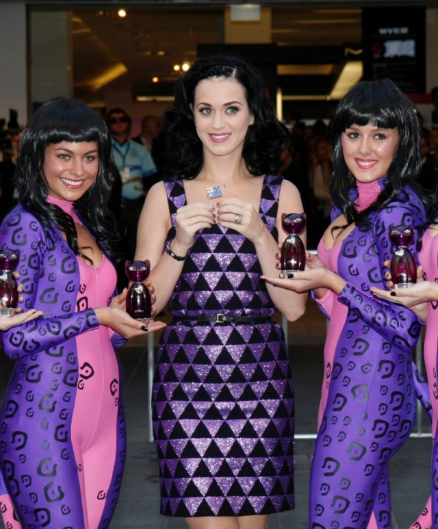 Katy Perry Cute Sexy Dress Brunette Sexy Singer Celebrity Beautiful