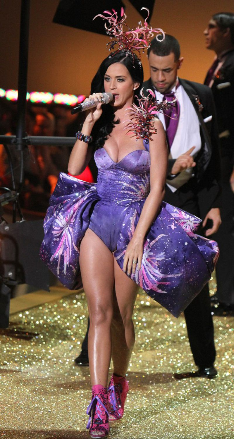 Katy Perry Celebrity Sexy Singer Brunette Posing Hot Babe ...