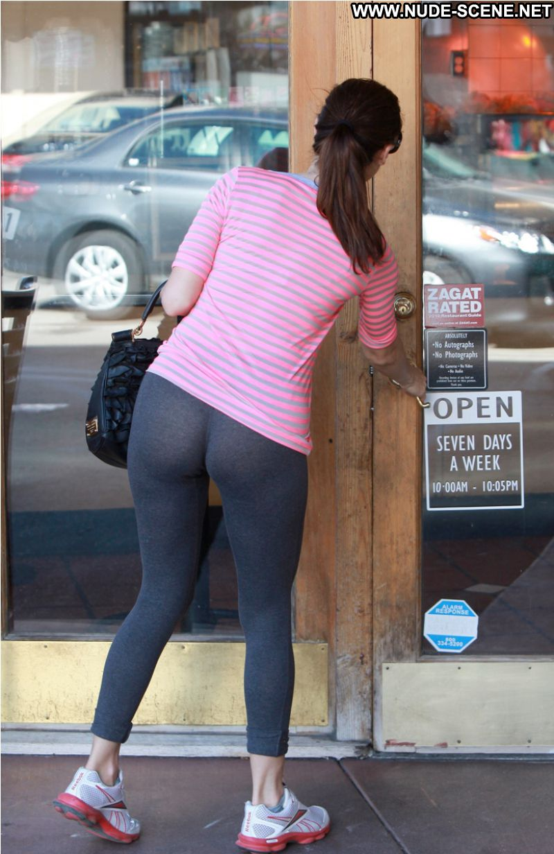 Jennifer love hewitt big ass