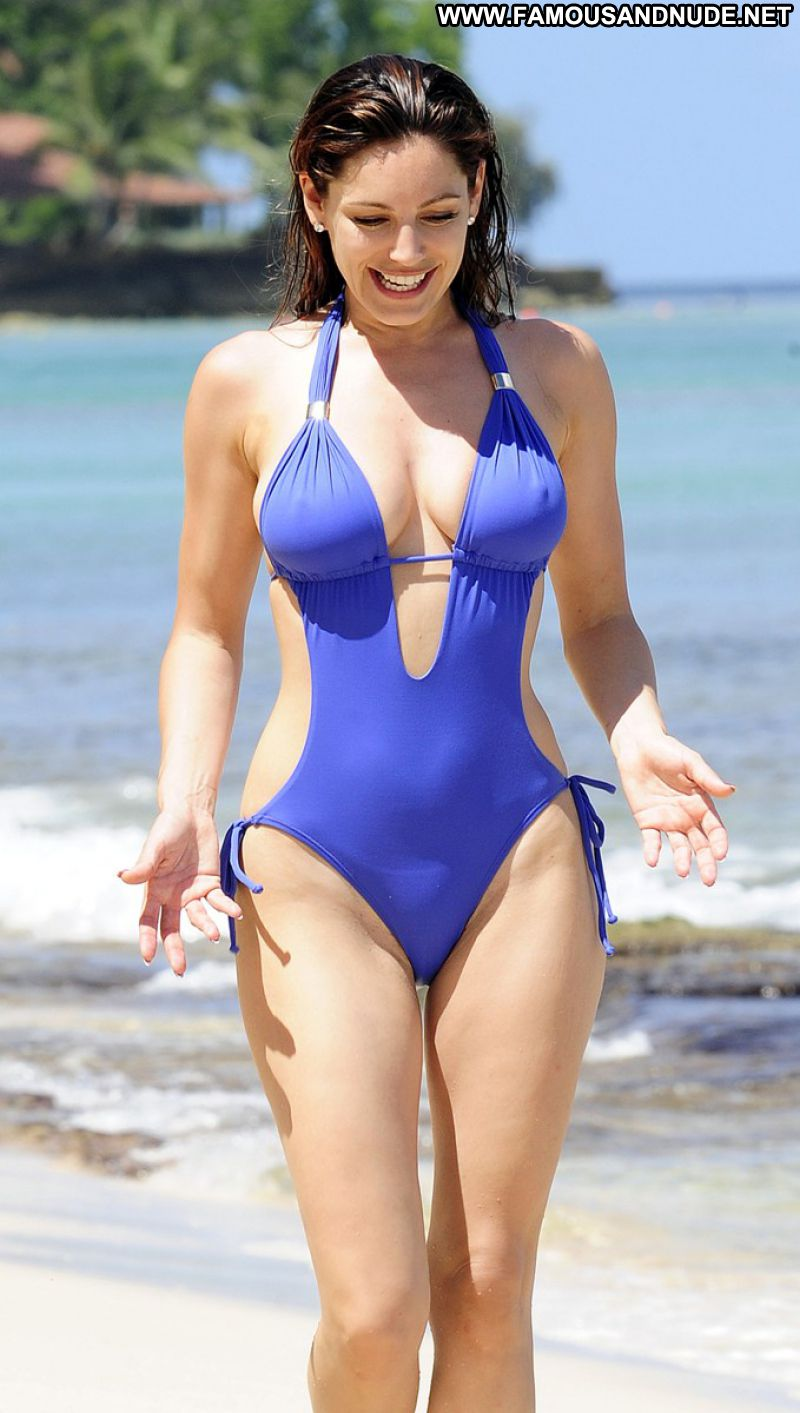 Kelly brook camel toe