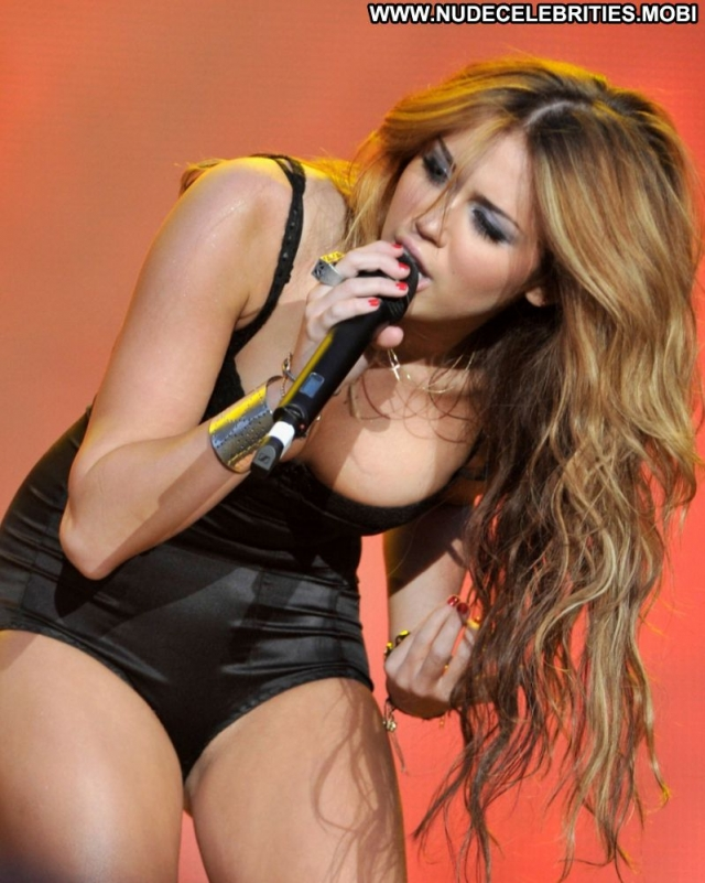 Miley Cyrus Lingerie Doll Showing Legs Blonde Singer Sexy Celebrity