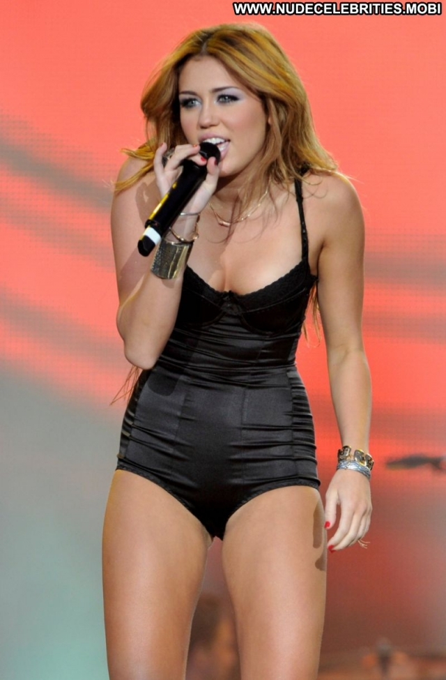 Miley Cyrus Blonde Singer Lingerie Hot Doll Sexy Showing Legs