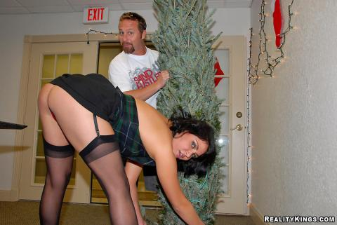 Sidney Christmas Girl Next Door Neighbors Reality Milf Porn