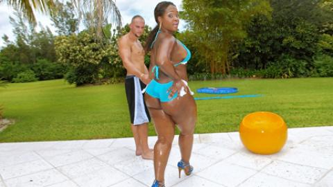 Gizelle Reality Pool Huge Ass Showing Ass Glamour Pussy Fuck