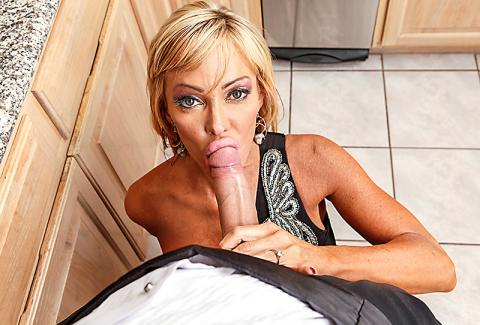 Free Latin Shemale Pornstar Galleries