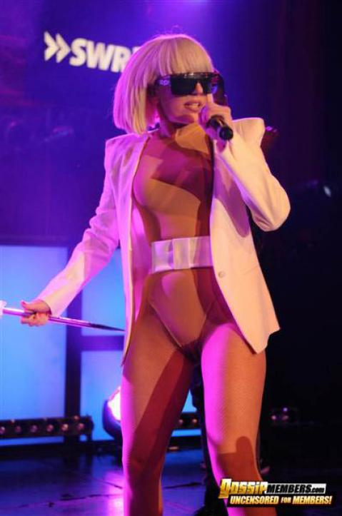 Lady Gaga Nude Sexy Scene Iranian Gag Paparazzi Showing Tits