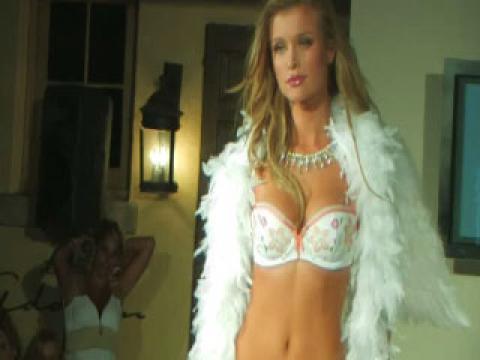 Joanna Krupa Angel Mature Lingerie Milf Bombshell Stunning