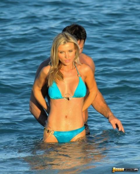 Joanna Krupa Public Beach Reality Star Bombshell Athletic
