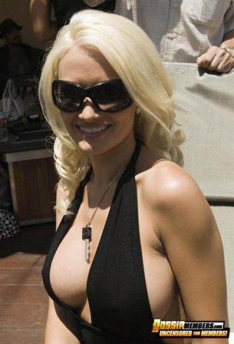 Holly Madison Nude Sexy Scene Glamour Scandal Reality Star