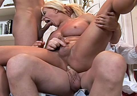 Blonde milf handjobs
