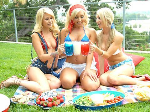 Moni Lesbians Pussy Lick Group Sex Lesbian Posing Hot Whore