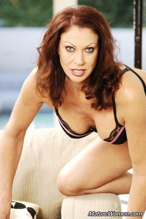 Trisha Malaysian Cougar Naughty Mature Milf Very Horny Sexy