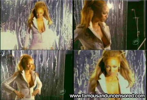 Tyra Banks Nude Sexy Scene Model Nice Posing Hot Nude Scene