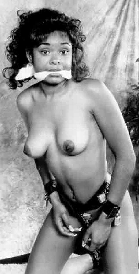girls Vintage bondage nude
