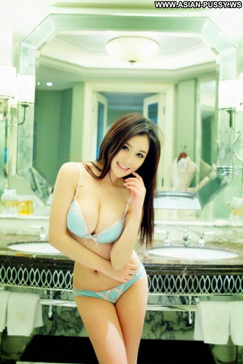 Meixiu Asian Sexy Model Nice Beautiful Big Tits Bikini