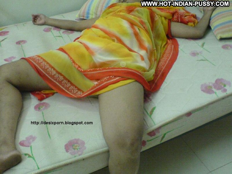 Durga Indian Sexy Amateur Posing Hot Doll Showing Legs Drunk