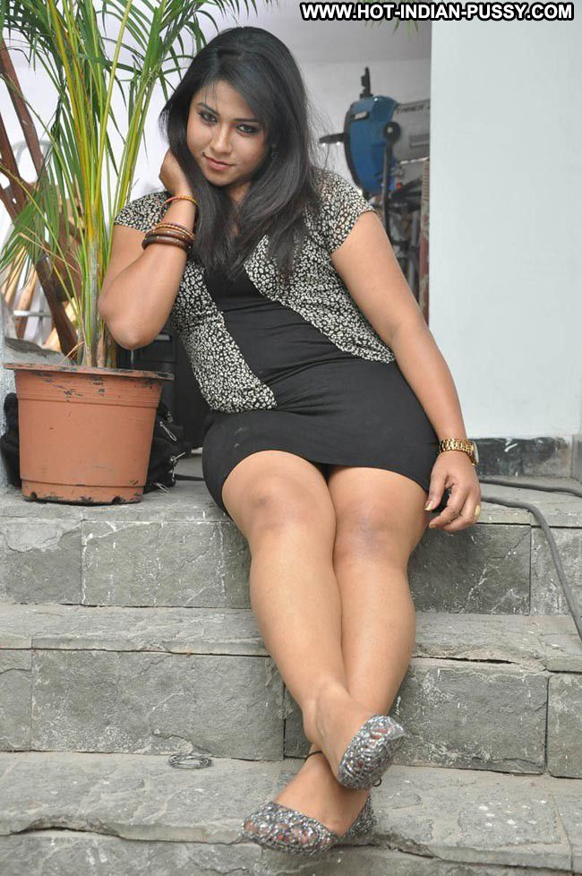 Alka Indian Sexy Amateur Nice Hot Showing Legs Chubby