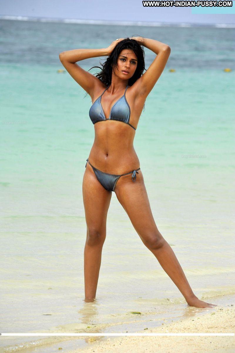 Sahira Indian Sexy Amateur Bikini Posing Hot Hot Beach