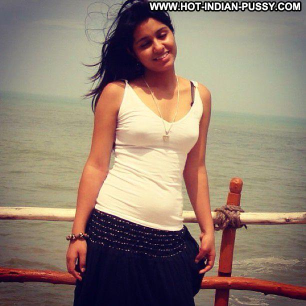 Shanti Indian Sexy Amateur Beautiful Babe Teen Beach
