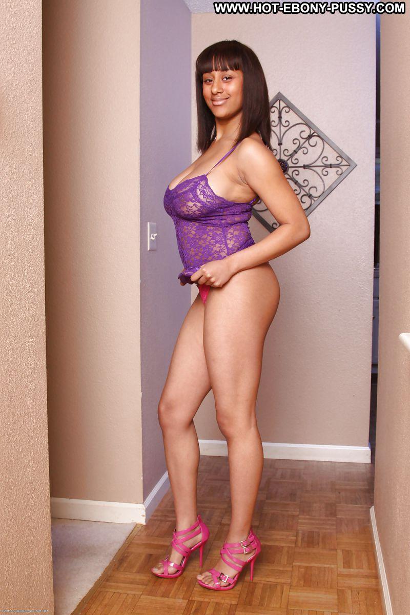 Sexy body actress