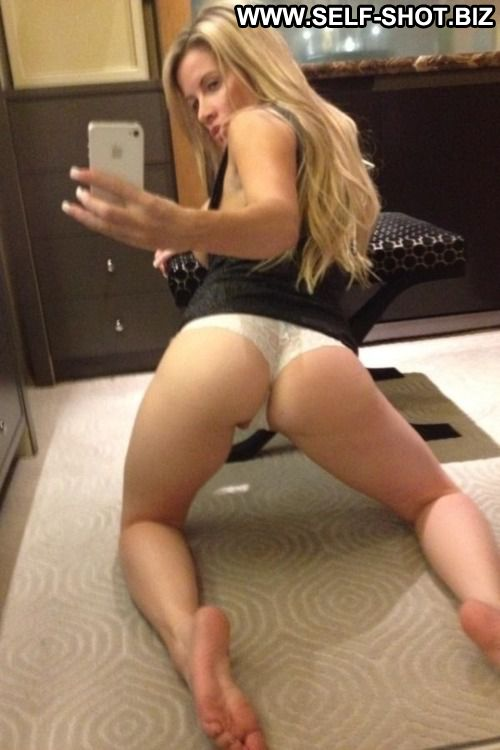 Kelli Self Shot Sexy Amateur Girlfriend Showing Ass Beautiful Doll Small Ass